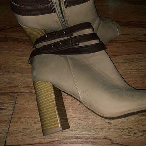 Shoes - Boutique booties